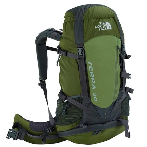 92fd7c30e The North Face Terra 30 Backpack in Green NWT